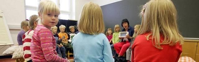 Una escuela de Finlandia - el sistema respeta mucho las opciones de los padres y forma y paga bien a los maestros