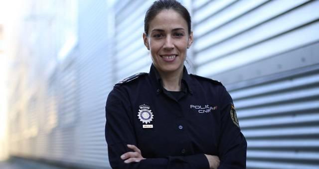 Silvia Barrera es agente de la Policía Nacional especializada en ciberseguridad