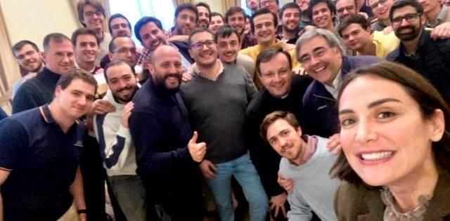 Tamara Falcó visitó el seminario de Madrid para hablar de fe con los seminaristas y encantarlos con su simpatía y naturalidad