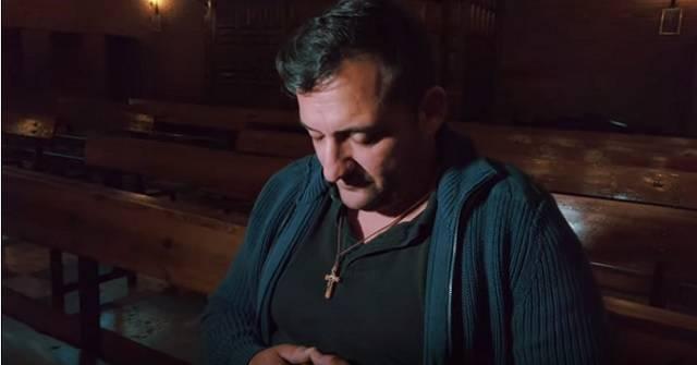 Rubén Ruiz escuchó la voz de Dios en un banco de la iglesia... y así empezó su victoria sobre la droga