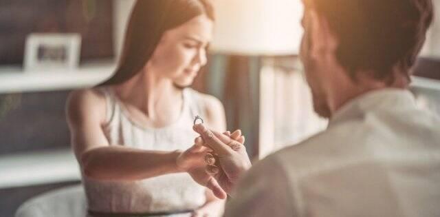 Cada vez son más las personas que desisten de casarse - no creen en ello, no encuentran la pareja, exigen demasiado, o tienen miedo