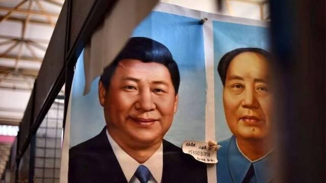 Xi Jinping e Mao Tse Tung.