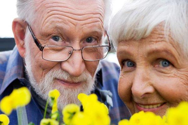 Resultado de imagen para pareja de ancianos cristianos