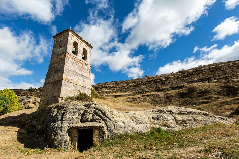 Campanario y entrada al antiguo Baptisterio.
