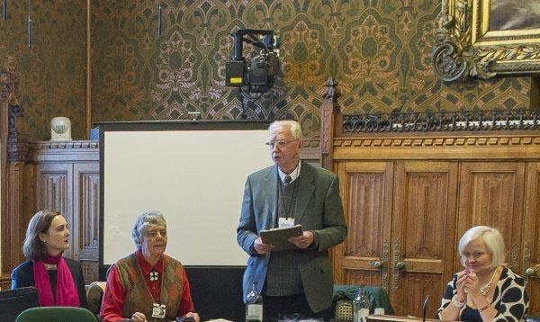 John Winjgaards, exsacerdote y promotor de este documento